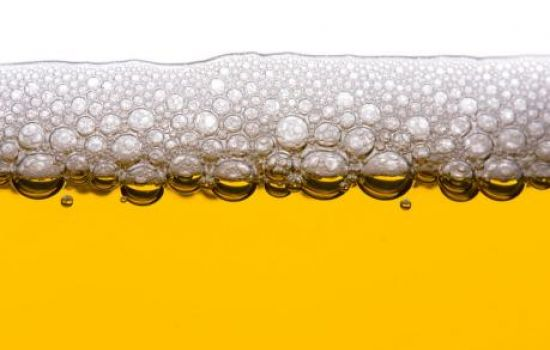 I mille modi per utilizzare la birra dalla pulizia dei mobili a balsamo per i capelli