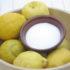 Aceto, limone, acido citrico e bicarbonato per fare il bucato