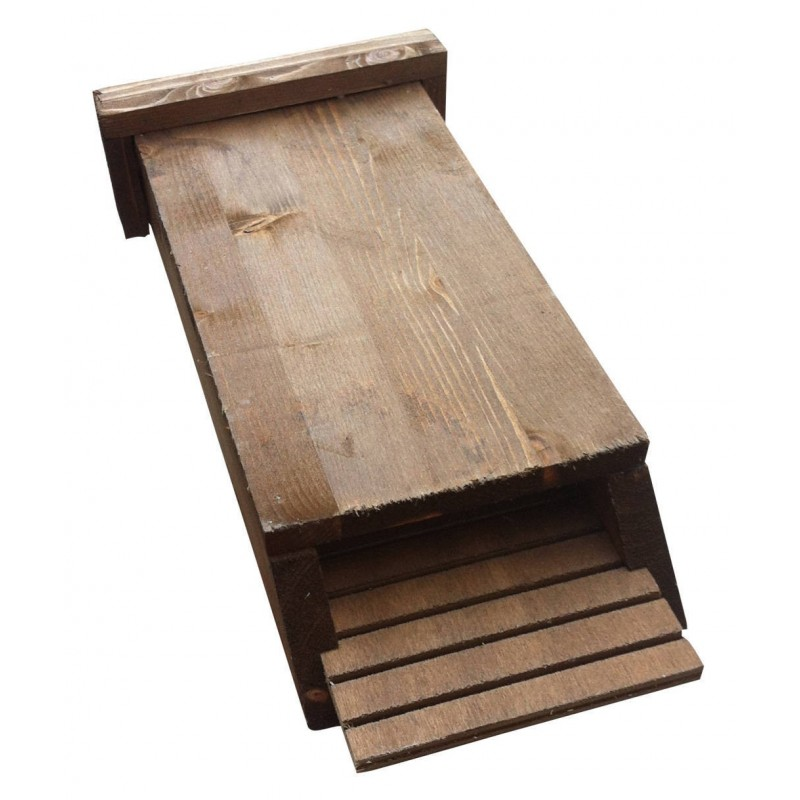 rifugio-in-legno-per-pipistrelli-bathouse-notte