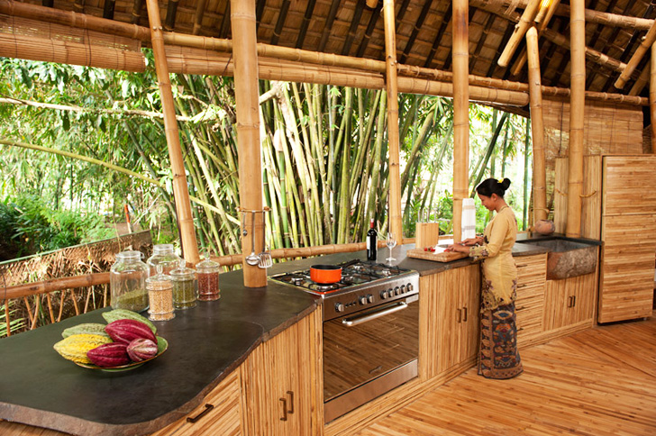 in cucina con bamboo
