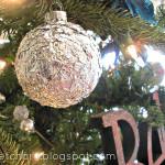 _Utilizzare_i_fogli_di_alluminio_per_riciclare_le_palle_di_Natale